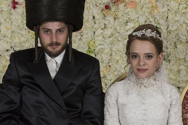 """""""Unorthodox"""" Netfliksa. Prawdziwa historia dziewczyny, która uciekła od ortodoksyjnych Żydów"""