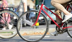 Sygnalizacja zapali zielone światło dla rowerzysty