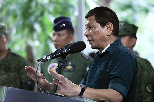 Prezydent Filipin zachęca żołnierzy do gwałtu. Czy tak walczy się z terroryzmem?
