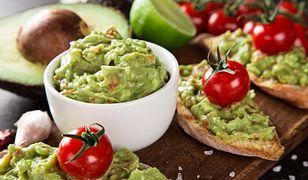 Głównym składnikiem guacamole jest awokado
