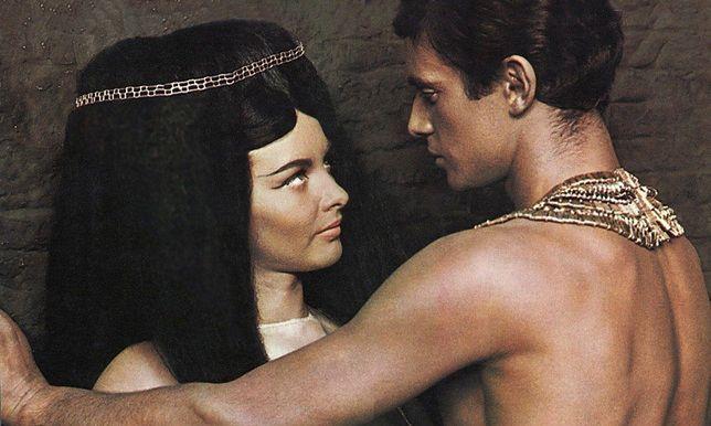 "Kadr z filmu ""Faraon""."