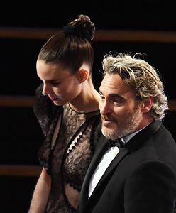 Joaquin Phoenix dostał Oscara. Potem poszedł z Rooney Marą na burgera