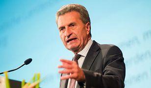 Komisarz UE Guenther Oettinger w ogniu krytyki. Skorzystał z prywatnego samolotu biznesmena
