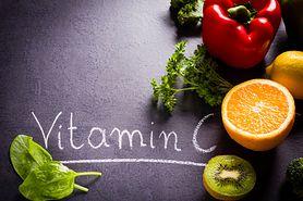 Niedobór witaminy C - przyczyny, objawy, leczenie. Co to jest szkorbut?