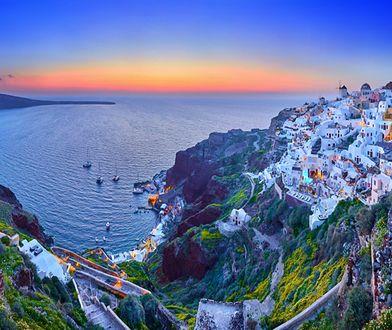 O Santorini krąży legenda, że niegdyś była mityczną Atlantydą zatopioną przez wybuch wulkanu