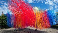 Łódź - tysiące kolorowych wstążek nad miastem