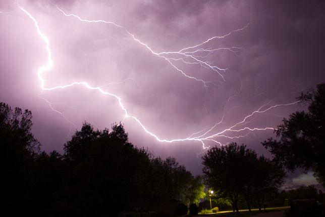 Pogoda: IMGW ostrzega. Burza, grad i intensywne upały zaskoczą Polaków w środę, 26 czerwca 2019