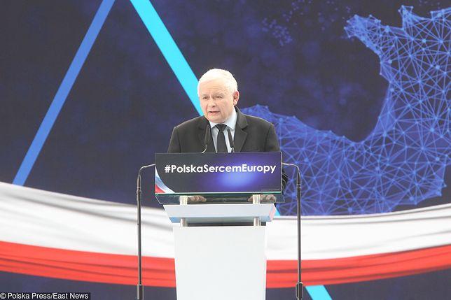 """Koziński: """"PiS robi krok do centrum. Platforma pozwoli im tam wejść?"""" (Opinia)"""