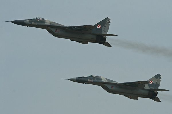 Para polskich MiG-ów 29