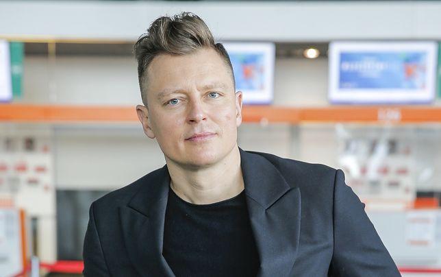 Rafał Brzozowski w drodze na Eurowizję, fot. Piotr Podlewski/AKPA