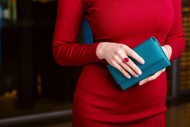 Luksusowy portfel na prezent i nie tylko. Przegląd markowych modeli z wyprzedaży