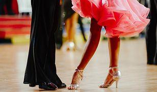 Salsa jest popularnym tańcem latynoamerykańskim.