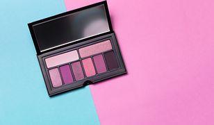 Palety cieni do powiek – świetne akcesorium dla wielbicielek makijażu
