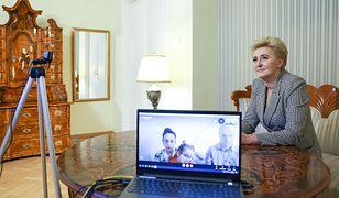 Agata Kornhauser-Duda wzięła udział w mikołajkowej akcji. Rozmawiała też z rodzicami nieuleczalnie chorej dziewczynki