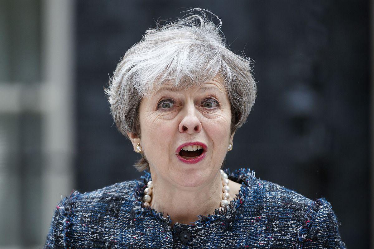 Internauci przypominają wpis Theresy May. To on może zdecydować o losach Brexitu
