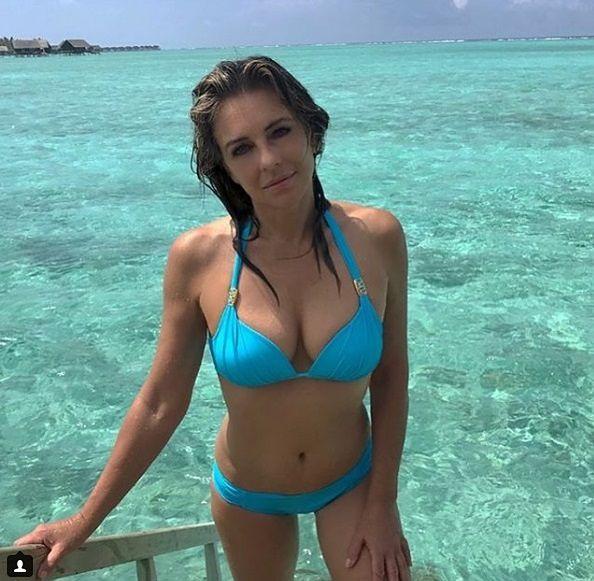 Dużo młodsze kobiety mogą zazdrościć Elisabeth Hurley niesamowicie zgrabnej sylwetki