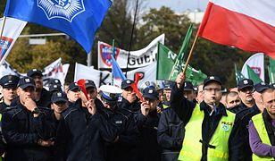 Manifestacja rozpoczęła się w południe na placu Zamkowym