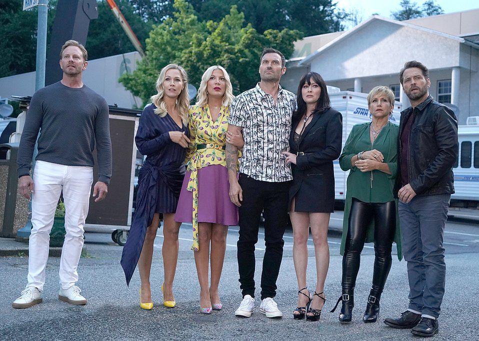 """""""Beverly Hills 90210"""": gdzie i kiedy oglądać serial w Polsce?"""