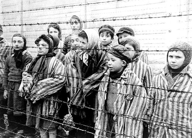 """Marcin Makowski: Nie było """"polskich obozów śmierci"""", Polska nie brała """"udziału w Holokauście"""". I nic tego nie zmieni. Żadne kłamstwa"""