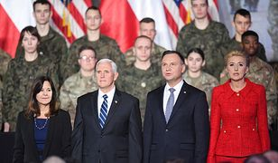 Mike Pence i Andrzej Duda z żonami w Warszawie