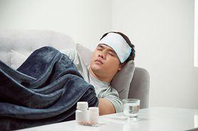 Powikłania po grypie - grupy ryzyka, objawy, zapalenie płuc, zespół Guillaina-Barrego, Zespół Ray'a