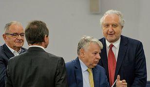 Eksperci o wręczeniu medalu senackiego prof. Rzeplińskiemu: niedźwiedzia przysługa Borusewicza