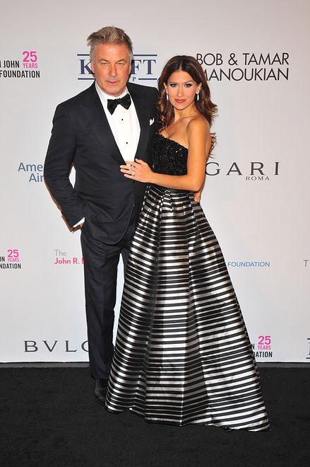 Alec Baldwin na wspólnym zdjęciu z córką i 34-letnią żoną
