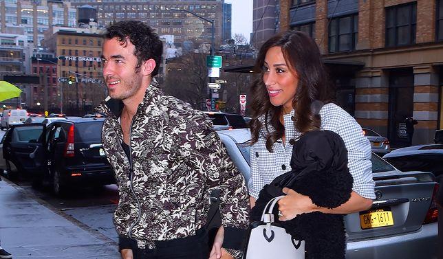 Kevin Jonas z żoną Danielle na ulicach Nowego Jorku