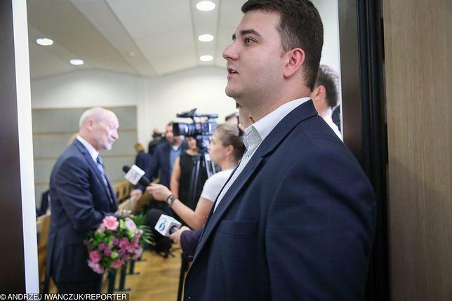 Bartłomiej Misiewicz zaproponował 16. pytanie do referendum ws. konstytucji
