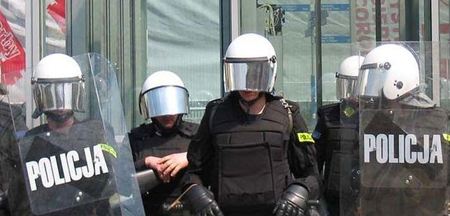 Nauczą policjantów jak zwalczać nazistów