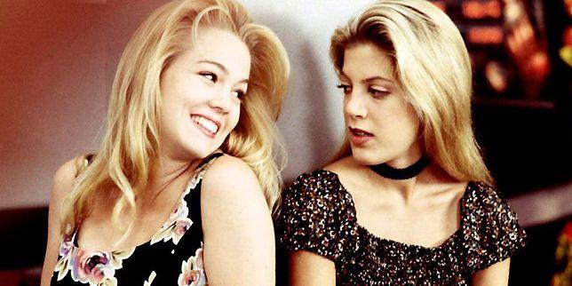 """W """"Beverly Hills 90210"""" Jennie Garth i Tori Spellin grały Kelly i Donnę. Jak dziś wyglądają?"""