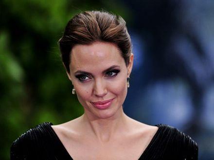 Angelina Jolie spała w zoo