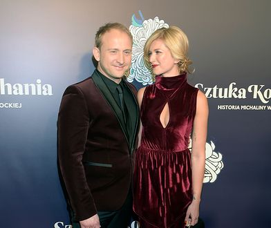 Partnerka Borysa Szyca błysnęła dekoltem. Kilka tygodni temu para pokazała się w identycznych strojach!