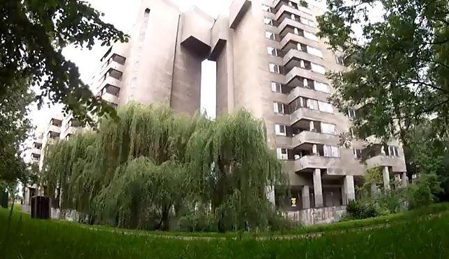 Porzucony budynek przy Sobieskiego [WIDEO]