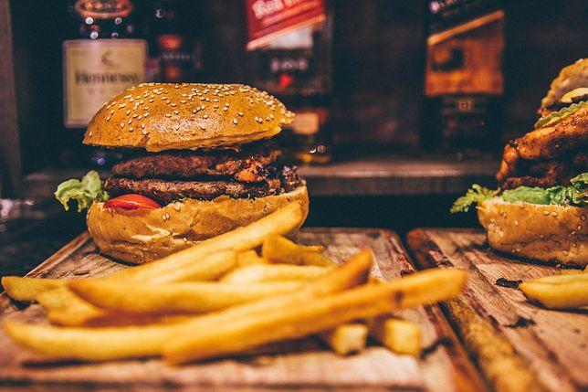 Fast food – dlaczego szybkie jedzenie jest niezdrowe?