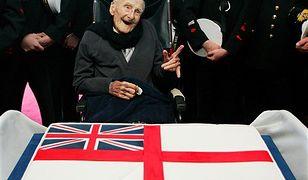 Urodził się w 1896 r., jest najstarszym mężczyzną świata