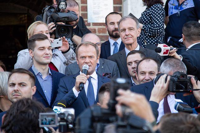 Donald Tusk podczas spotkania z mieszkańcami w Krakowie