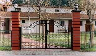 Poradnik. Jak wybrać odpowiednią bramę wjazdową do domu?