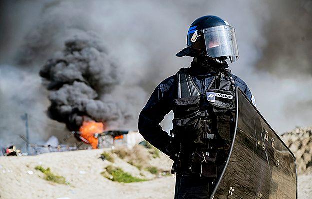 """Po podpaleniach i likwidacji obozu migranci próbują wrócić do """"dżungli"""" pod Calais"""