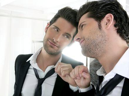 Przeciętny mężczyzna uważa się za równie atrakcyjnego co David Beckham