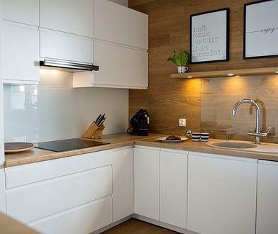 Oświetlenie w małej kuchni pełni bardzo ważną rolę - może optycznie powiększyć przestrzeń