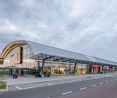 Lotnisko Modlin z pierwszą w Polsce bramką biometryczną