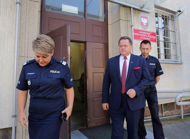 Wiceminister MSWiA Jarosław Zieliński odwiedził pobitych policjantów z Giżycka
