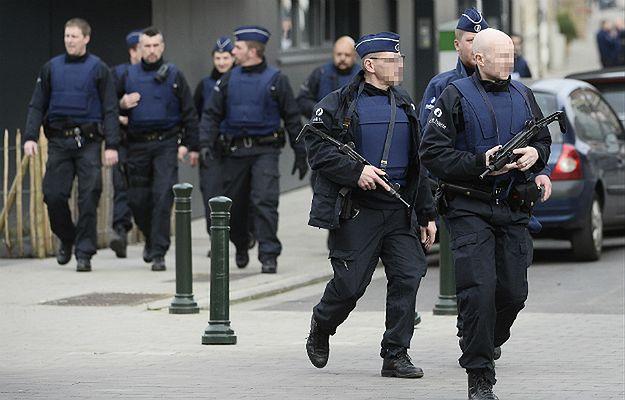 Akcja antyterrorystyczna w Brukseli. Zastrzelony napastnik to 36-letni Alegierczyk. Dwie osoby uciekły i są poszukiwane
