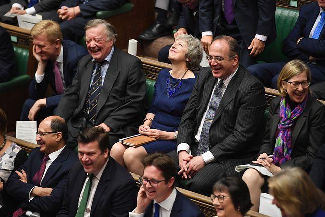 Członkowie Izby Gmin zdecydują o tym, czy w grudniu odbędą się wybory parlamentarne.