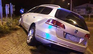 """""""Zaparkował"""" samochód na rondzie w Sochaczewie. W kieszeni miał narkotyki"""