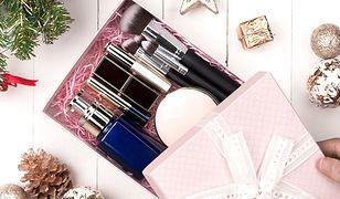 Zestaw kosmetyków na mikołajkowy prezent - tanio i pomysłowo