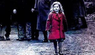 """""""Dziewczynka w czerwonym płaszczyku"""". Nadzieja w świecie ogarniętym szaleństwem"""