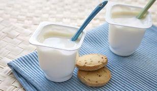 Jogurt naturalny i owocowy