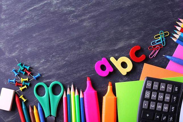 """Akcja """"Kolorowy Piórnik"""" – kompletujemy wyprawki szkolne dla osieroconych dzieci"""